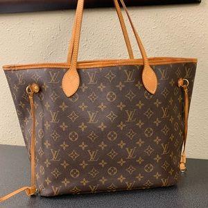 1-HOUR SALE!! Louis Vuitton Neverfull MM